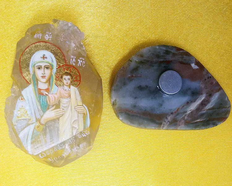 Икона на камне с магнитом